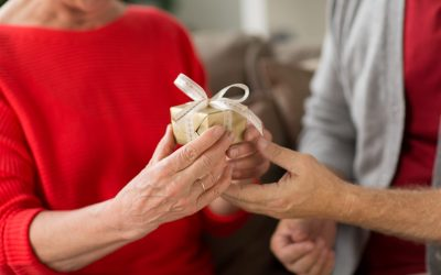 How Seniors Can Celebrate The Holidays in New Ways